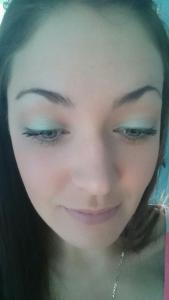 color: Catrice shadow single in 910 Me Mermint