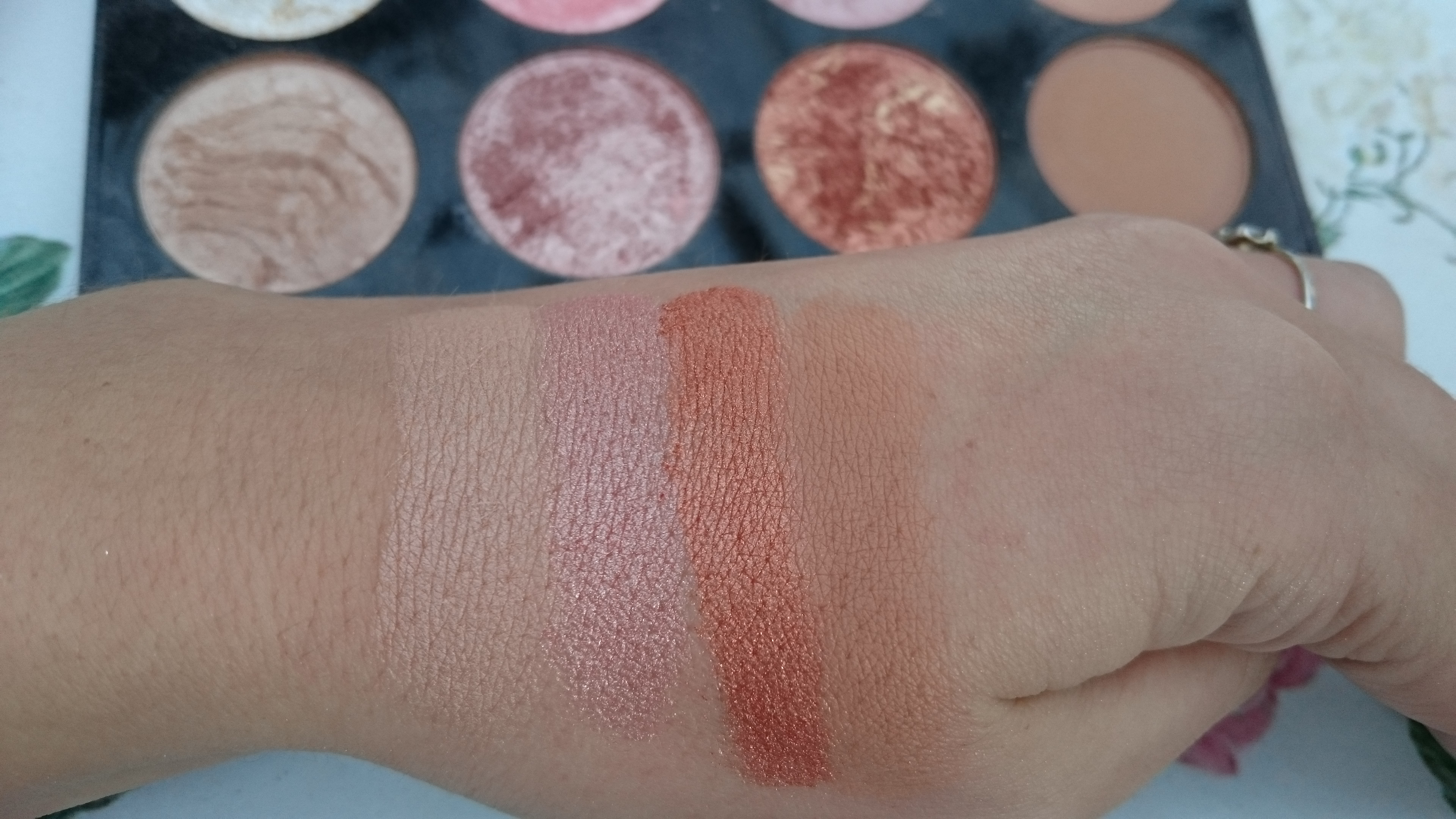 Golden Sugar Ultra Blush And Contour Palette From Makeup Revolution Make Up Pretty Messy Mellon